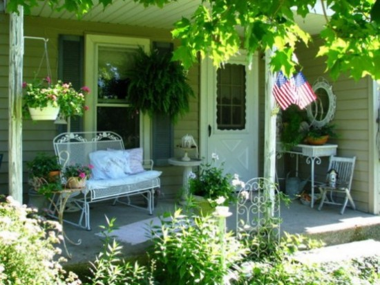 Home Decorating Ideas : Creating An Outdoor Shabby Chic