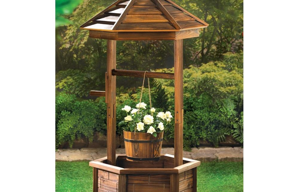 Wholesale Product Spotlight – Rustic Wishing Well Planter