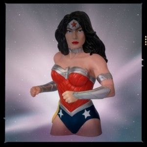 wonder-woman-the-new-52-bust-bank-2