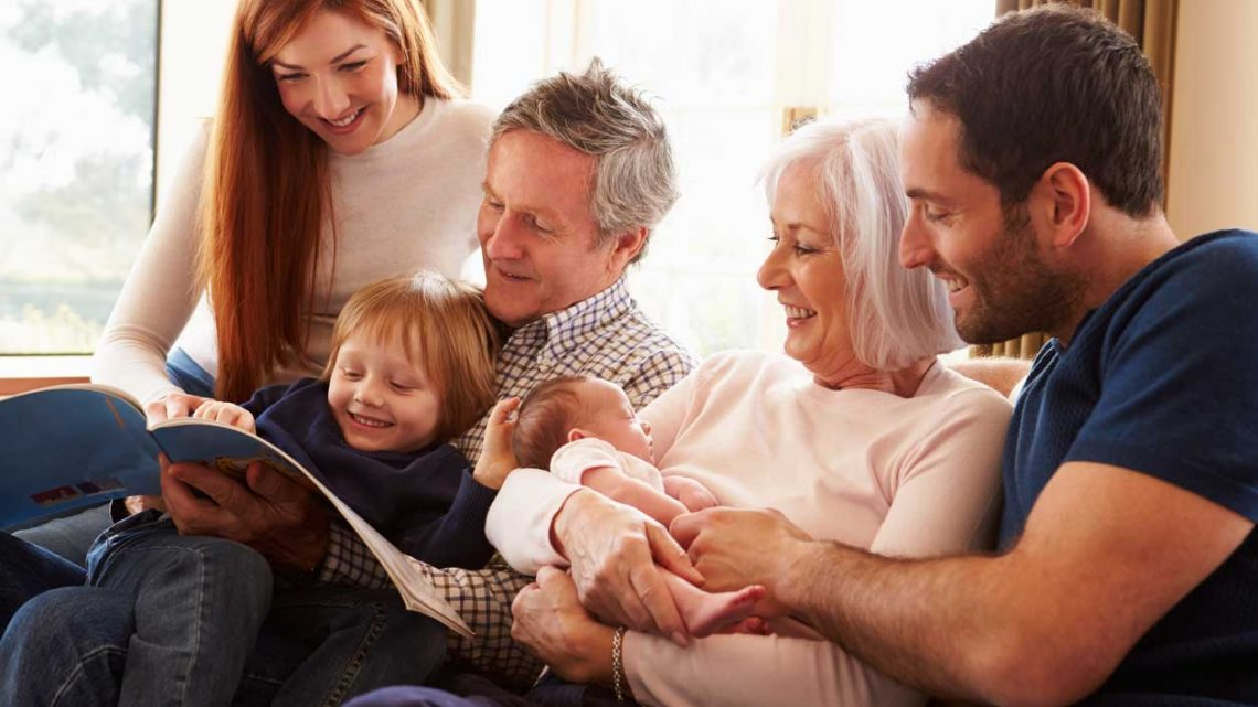 Mastering Multigenerational Marketing This Holiday Season