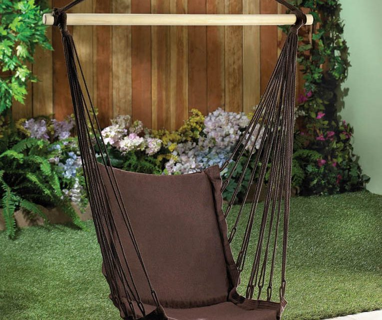 Wholesale Product Spotlight – Outdoor Espresso Swing Chair